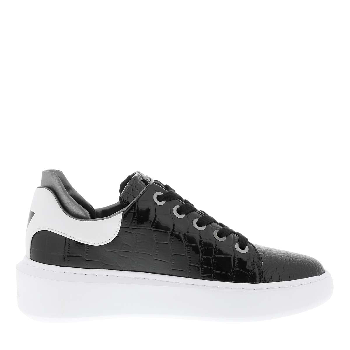 Guess Braylin black patent trainer