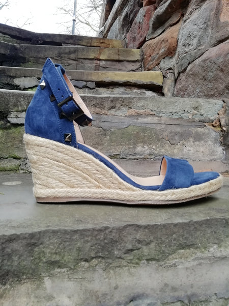 Moda in Pelle Roliah navy stud wedge sandal