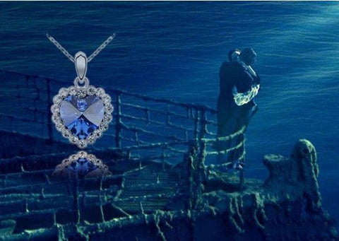 Titanic Blue Artificial Stone Neckpiece with Silver Chain and Rhinestones