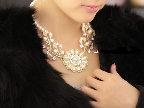 Pearl Chunky Necklace Necklace & Pendants- Buyvel