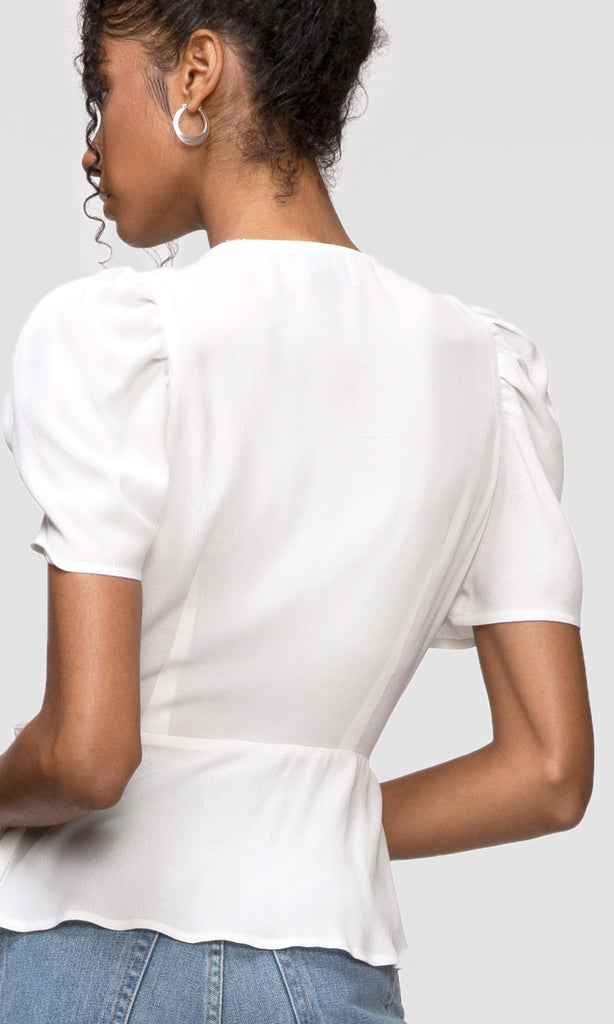 white pouf sleeve top