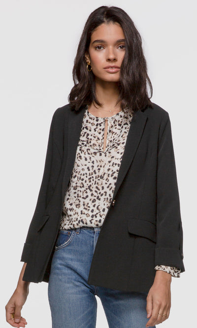 Women's black crepe jacket with sleeve tab