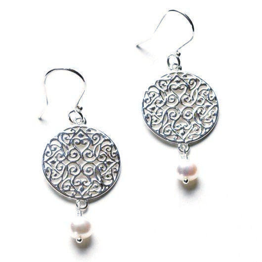 Southern Gates Earrings with Freshwater Pearls in Silver.
