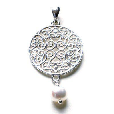 Southern Gates Pendant with Freshwater Pearls in Silver.