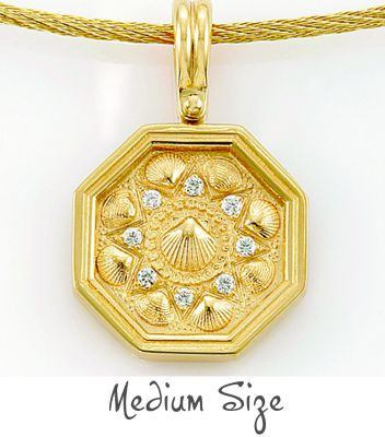 Sailors Valentine Pendan Gold with Diamonds
