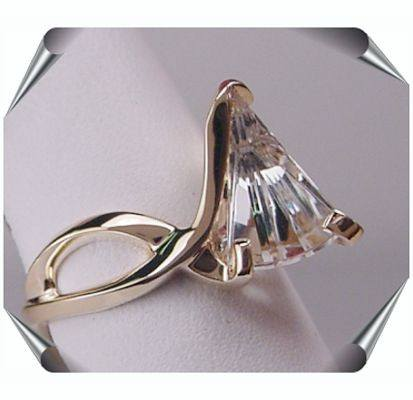 Strellman Lighthouse Ring with White Topaz in Gold
