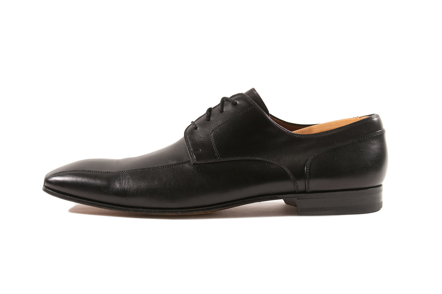 Magnanni Black Leather Shoes. Luxmrkt.com Menswear Consignment Edmonton.