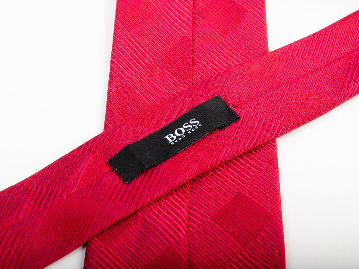 Hugo Boss Deep Red Tonal Check Silk Tie for Luxmrkt.com Menswear Consignment Edmonton