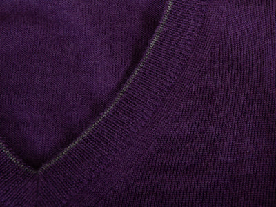Harry Rosen Made in Italy Hortensia Purple Merino Wool V-Neck Sweater for Luxmrkt.com Menswear Consignment Edmonton