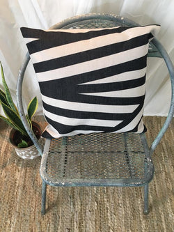 Black Thick Lines Pillow Cover