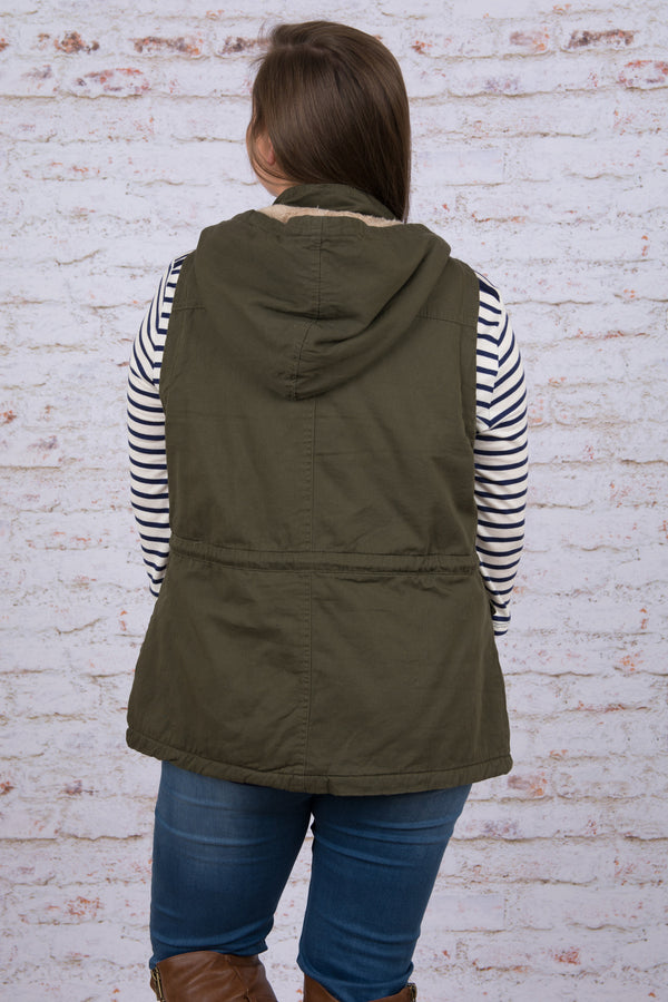 Chic Expeditions Vest, Olive