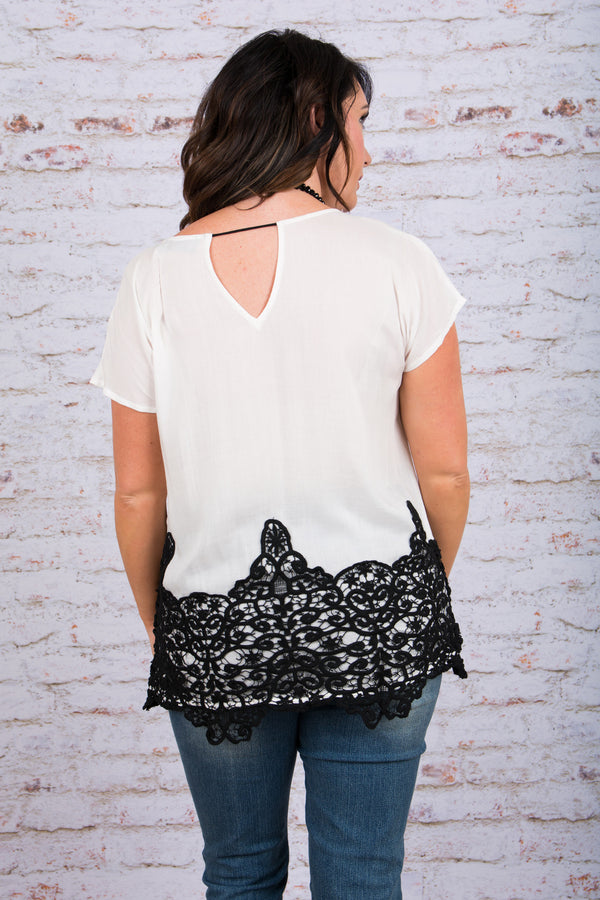 Pretty In Chic Top, Ivory-Black