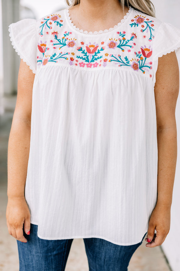shirt, short sleeve, cap sleeves, flowy, scalloped edges, white, embroidered, green, red, yellow, pink, comfy, spring, summer