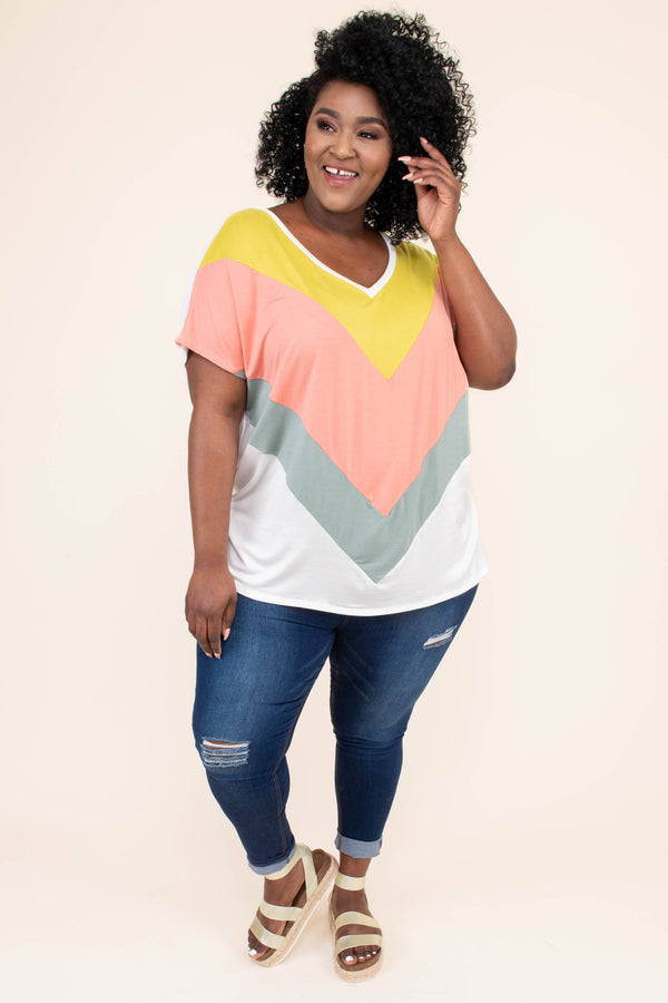 shirt, short sleeve, vneck, long, flowy, white, gray, pink, yellow, chevron, comfy