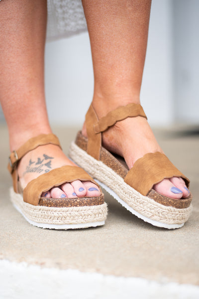 All It Takes Wedges, Tan