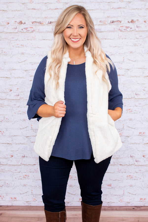 vest, pockets, zipper, collar, white, solid, fuzzy, comfy, cozy, outerwear, fall, winter