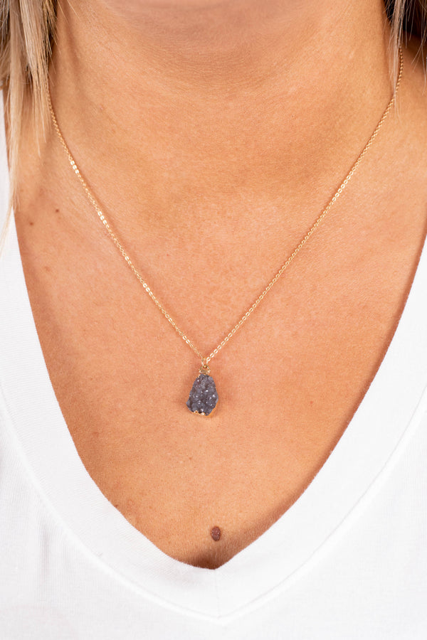 necklace, stone pendant, charcoal, small, short chain, delicate
