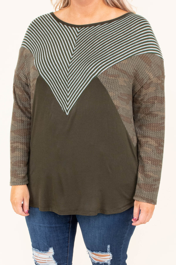 shirt, long sleeve, camo sleeves, green torso, white stripes, striped chest, fall, winter