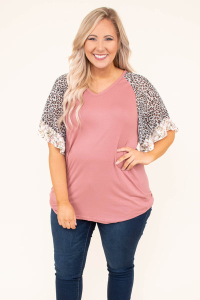 shirt, short sleeve, vneck, bell sleeves, leopard sleeves, lace sleeve hem, form fitting, curved hem, mauve, comfy