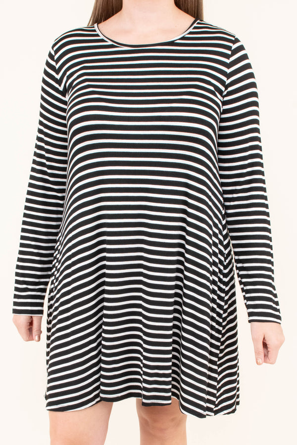 dress, short, long sleeve, pockets, black, white, striped, flowy, comfy