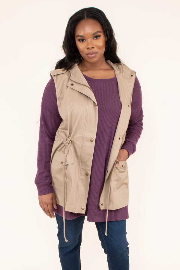 vest, sleeveless, hood, pockets, zip up, drawstring waist, khaki, outerwear, fall, winter