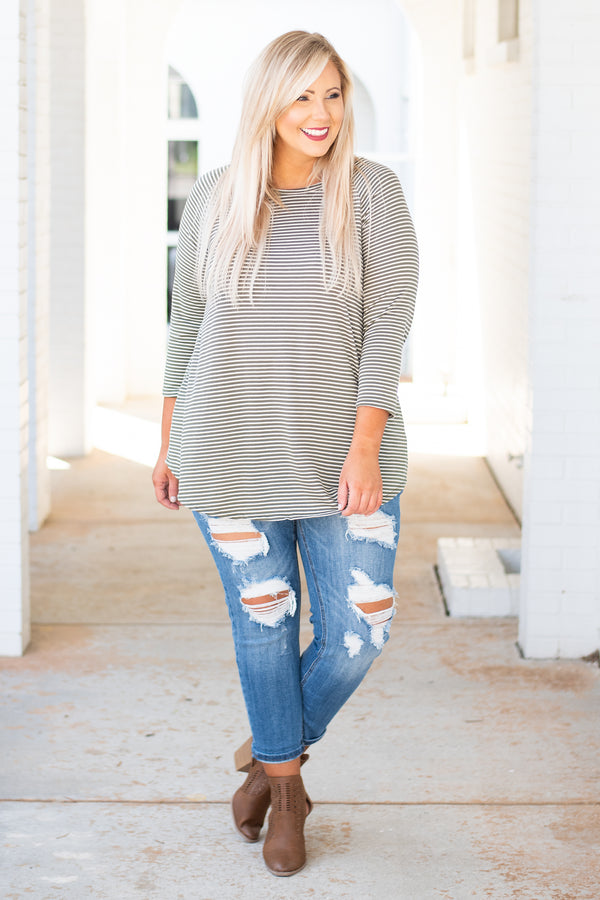 top, casual top, three quarter sleeve, striped, Ivory, black, curved hem