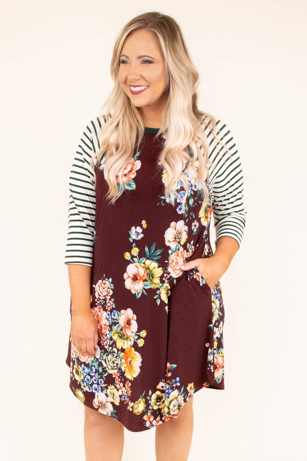 dress, three quarter sleeve, burgundy stripe sleeve, floral, pockets, short
