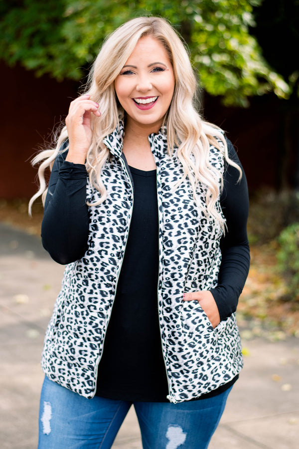 vest, collar, zipper, gray, black, leopard, warm, cozy, outerwear, fall, winter
