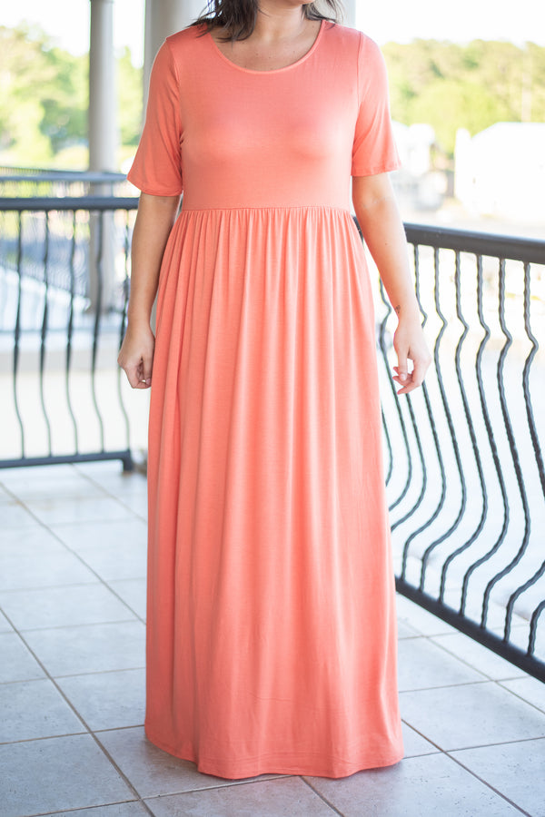 dress, long, maxi, short sleeve, flowy, solid, cinched waist, pockets