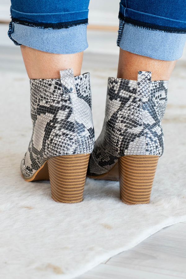 Super Sly Booties, Snake