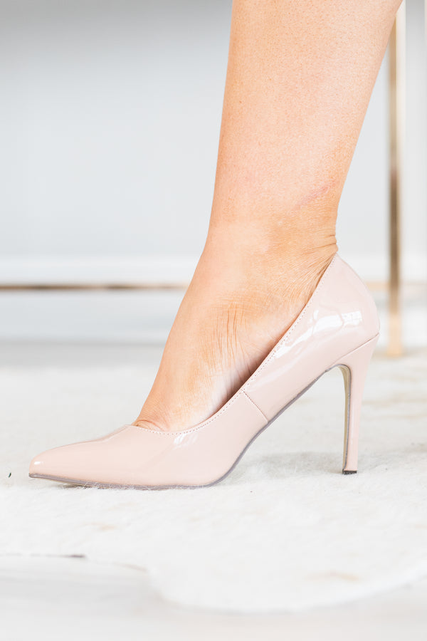 heels, pointy toed, thin heel, blush, patent leather, simple