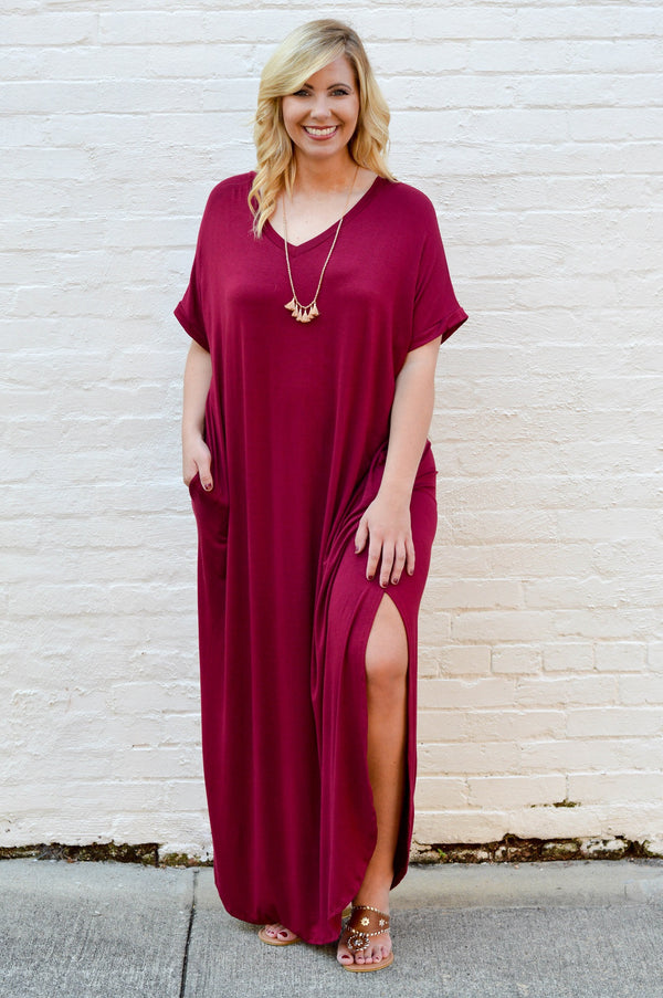 dress, maxi, short sleeve, vneck, pockets, curved hem, side slit, flowy, burgundy, comfy