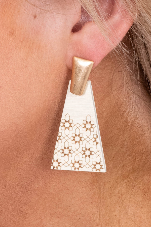 earrings, dangly, pyramids, gold stud, white, flower design, brown