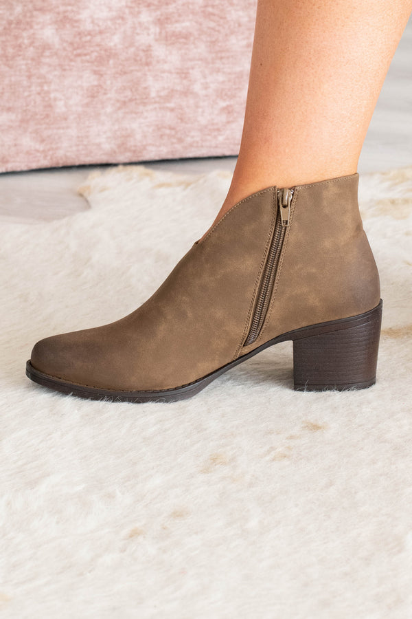 booties, heel, brown, zippered sides, scoop front, ankle height