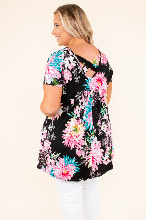 tunic, short sleeve, pockets, black, pink, blue, green, floral, comfy, crisscross back, flowy