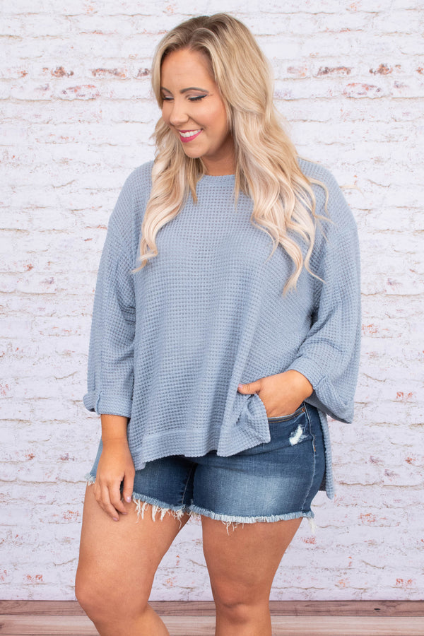 shirt, three quarter sleeve, cuffed sleeves, wide sleeves, longer back, waffle knit, loose, blue, comfy