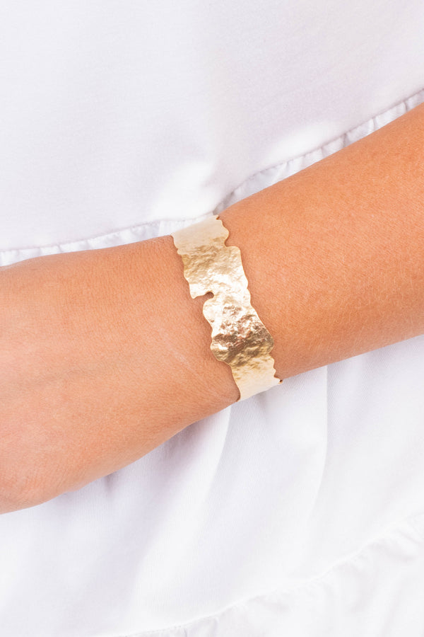 bracelet, cuff, wrinkled, jagged edges, thin, gold