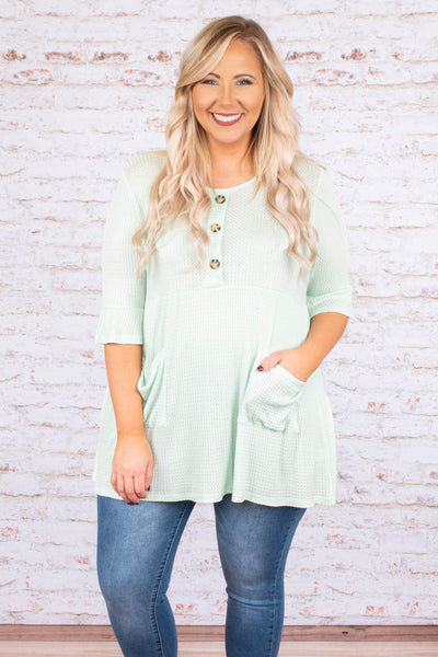 shirt, short sleeve, ruffle cuffs, babydoll, buttons, pockets, ribbed, flowy, green, comfy