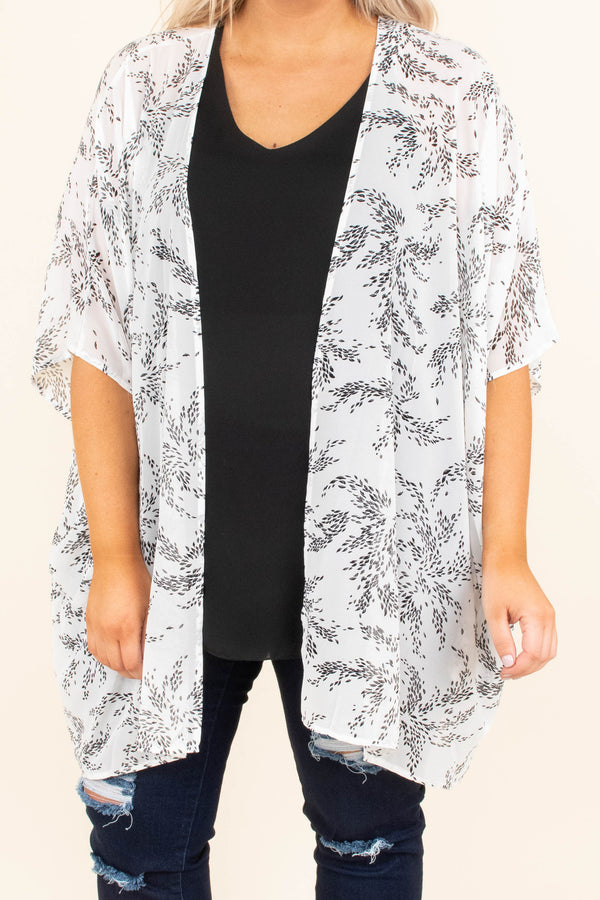 kimono, three quarter sleeve, long, printed, white, black, thin, scalloped sleeves, long