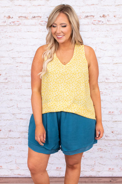 shirt, tank top, floral, v neck, yellow, white, comfy, loose