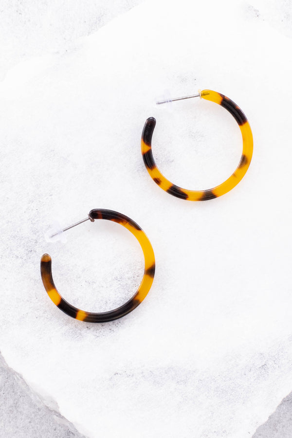 earrings, hoops, tortoise shell, medium hoop