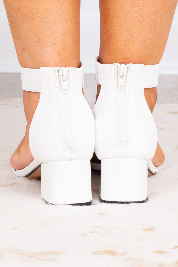 shoes, heels, low heel, block heel, ankle strap, toe strap, white, summer, spring