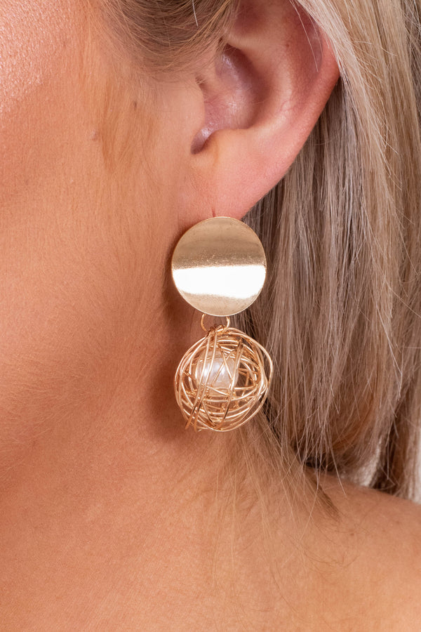 earrings, hanging, gold, medallion, ball, pearl
