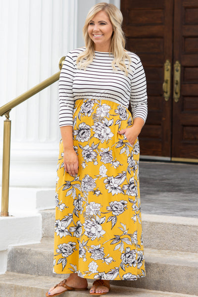 Make A Point Maxi Dress, Mustard