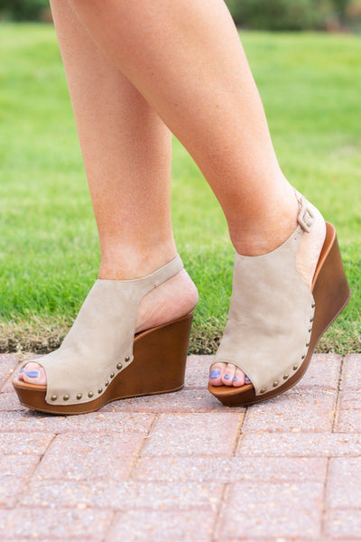 The Peyton Wedges, Taupe
