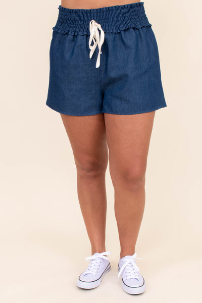 shorts, above the knee, elastic waistband, drawstring, blue, denim blue, loose, comfy, medium wash