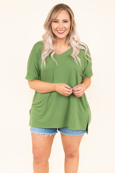 shirt, short sleeve, vneck, long, longer back, side slits, loose, green, comfy