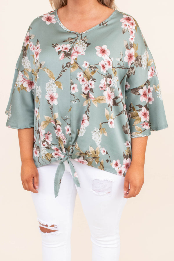 shirt, three quarter sleeve, vneck, tie front, wide sleeves, short, longer back, green, floral, white, red, green, comfy