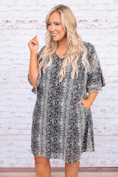 dress, short , short sleeve, vneck, flowy sleeves, flowy, pockets, comfy, gray, snakeskin