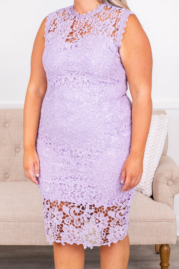 dress, occasion dress, fitted, sleeveless, lavender, lace, sweetheart neck, knee length